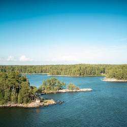 Ostsee Inseln mit kleiner Brücke in Finnland
