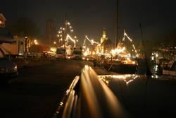 Norddeutsche Stadt bei Nacht