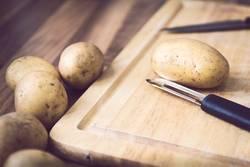 Kartoffeln schnibbeln