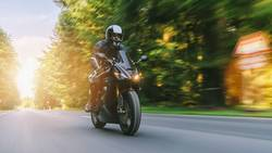Motorradfahren auf der Landstraße