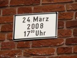 Schildchen mit Datum 24-03-2008