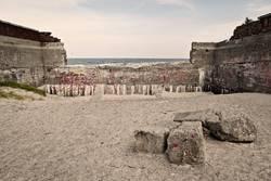Verfallene Mauer von Prora, Ostsee