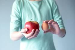 Apfel mit Ei vergleichen