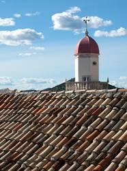 Über dem Dach