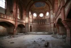 Zerfallene Kirche