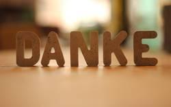 Danke - aus Betonbuchstaben