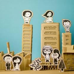 Pappland | verschiedene Menschen in der Stadt