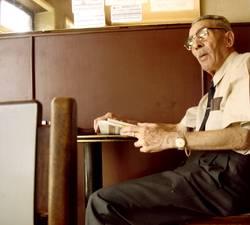 BIS DASS DER TOD UNS SCHEIDET   rentner cafe alter rente person