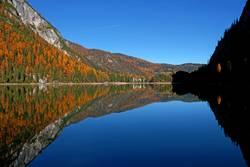 Pragser Wildsee in den Dolomiten, Südtirol, Italien