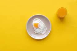 Fried egg and orrange juice