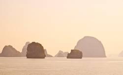 Sunrise @ Halong Bay