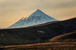 Schneebedeckter Vulkan