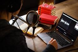 Podcasting / Over your shoulder