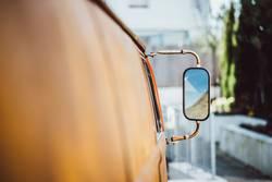alter verrosteter Hippie Bus