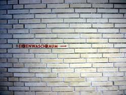 hERRENWASCHRAUM --->