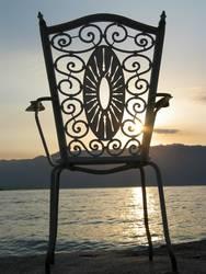 Stuhl im Morgenlicht