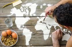 Zeichnen von Karten der Welt mit Mehl