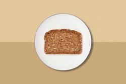 Brotscheibe auf Teller