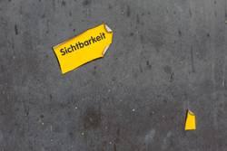 Auffallend gelb