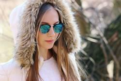 Modeporträt im Freien