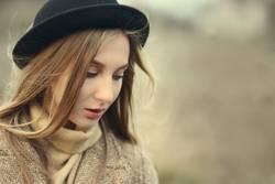 Herbst Mädchen in Hut