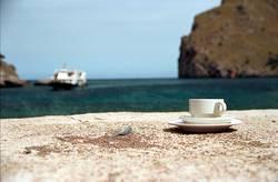 Kaffetasse am Strand