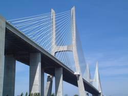 Lissabon bridge 1