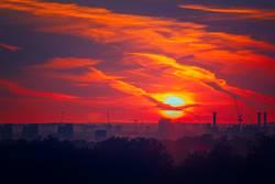 Sonnenuntergang über dem Schauen Battersea, London