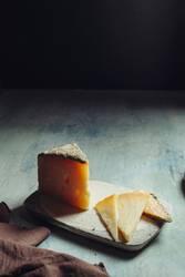 Semi-cured sheep cheese Villarejo Rosemary. Spain