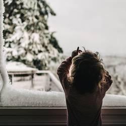 Der Winter steht im Fenster