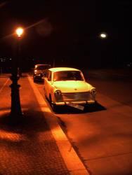 Trabbi bei Nacht