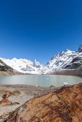 lake and cerro torre