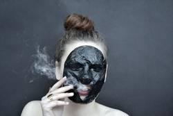 rauchiges Maskenspiel*2