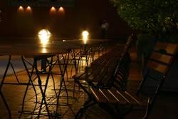 Einsame Stühle