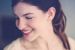 Nur ein Lächeln.
