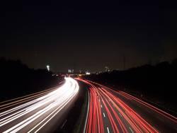 Autobahn bie Nacht