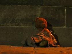 Bettelnder Teddybär