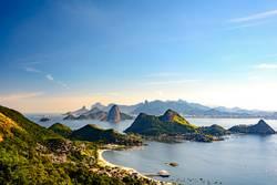 Guanabara Bucht und Hügel