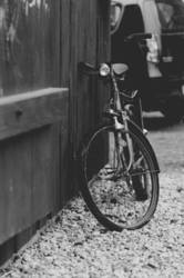 Fahrrad am Scheunentor